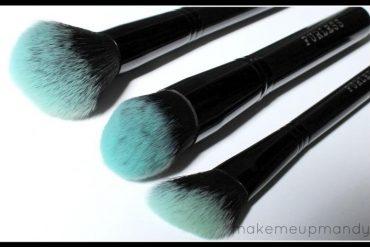 furless black beauty brush make up