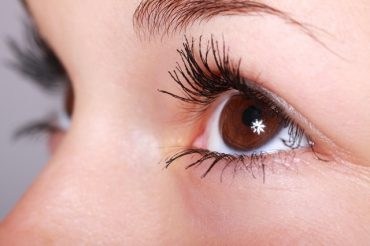 lashes long with transparent