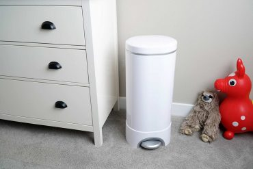munchkin step diaper pail white review